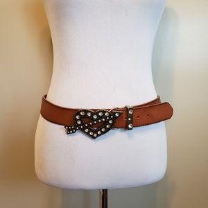 Betsey Johnson   brown leather heart belt